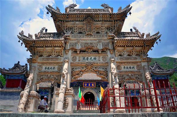 五台山组图 走进龙泉寺之风光如画