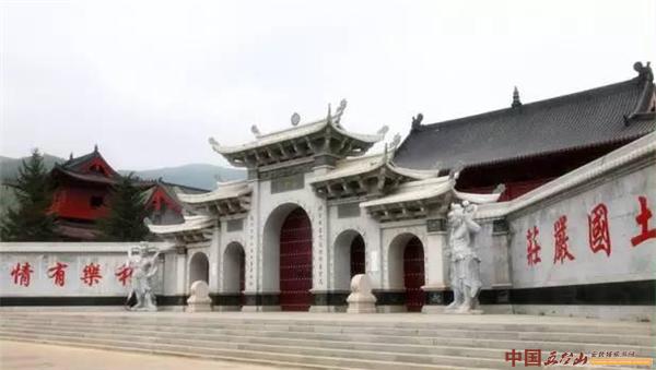 五台山普寿寺——全国最大的尼众佛学院