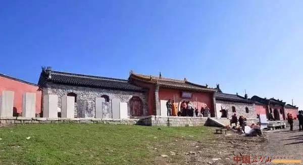 清凉圣境五台山 烟光凝翠南台普济寺
