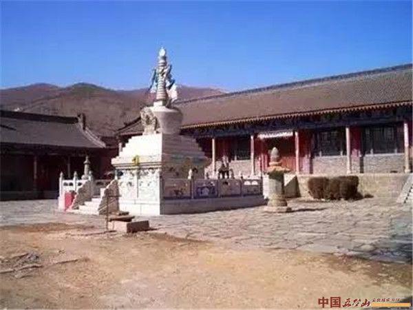 延波带您巡礼佛教圣地 :五台山广化寺