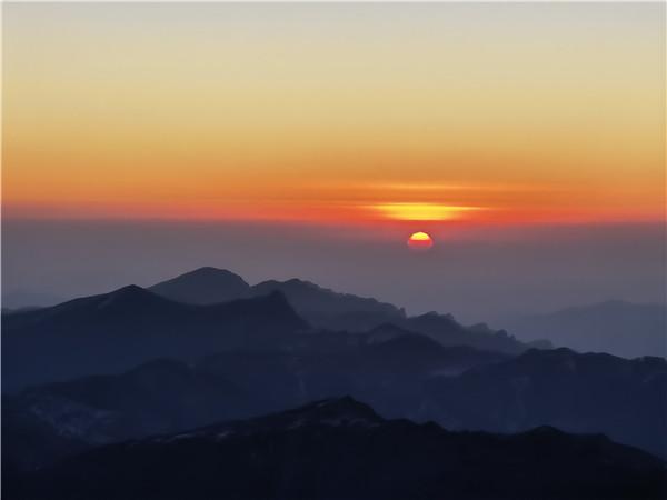 来五台山邂逅一场冬季的日出