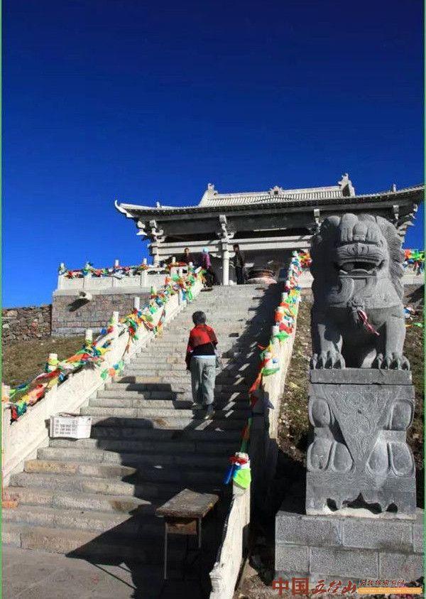 历史悠久的山西古刹——五台山灵应寺