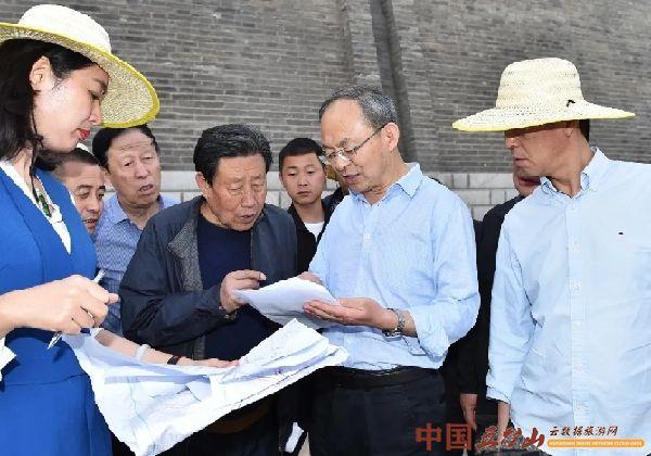 郑连生在忻州古城调研西园建设项目